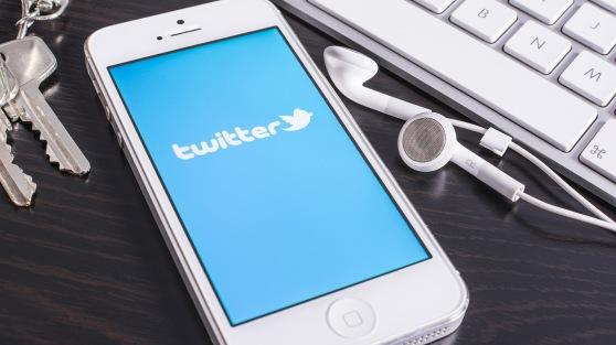 20140226-twitter-iphone